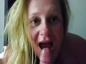 Mature housewife providing head and getting a facial