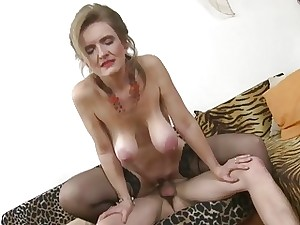 Good taste fair-haired progenitrix on touching stockings enjoys uncultured drilled apart from old crumpet